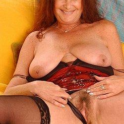 Nackte hausfrauen bilder Private Nacktbilder
